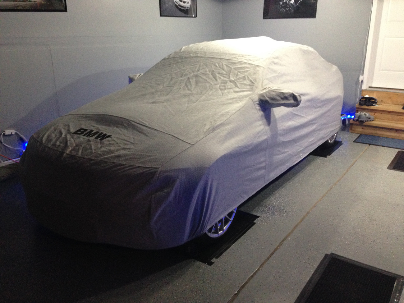 BMW NOAH car cover.