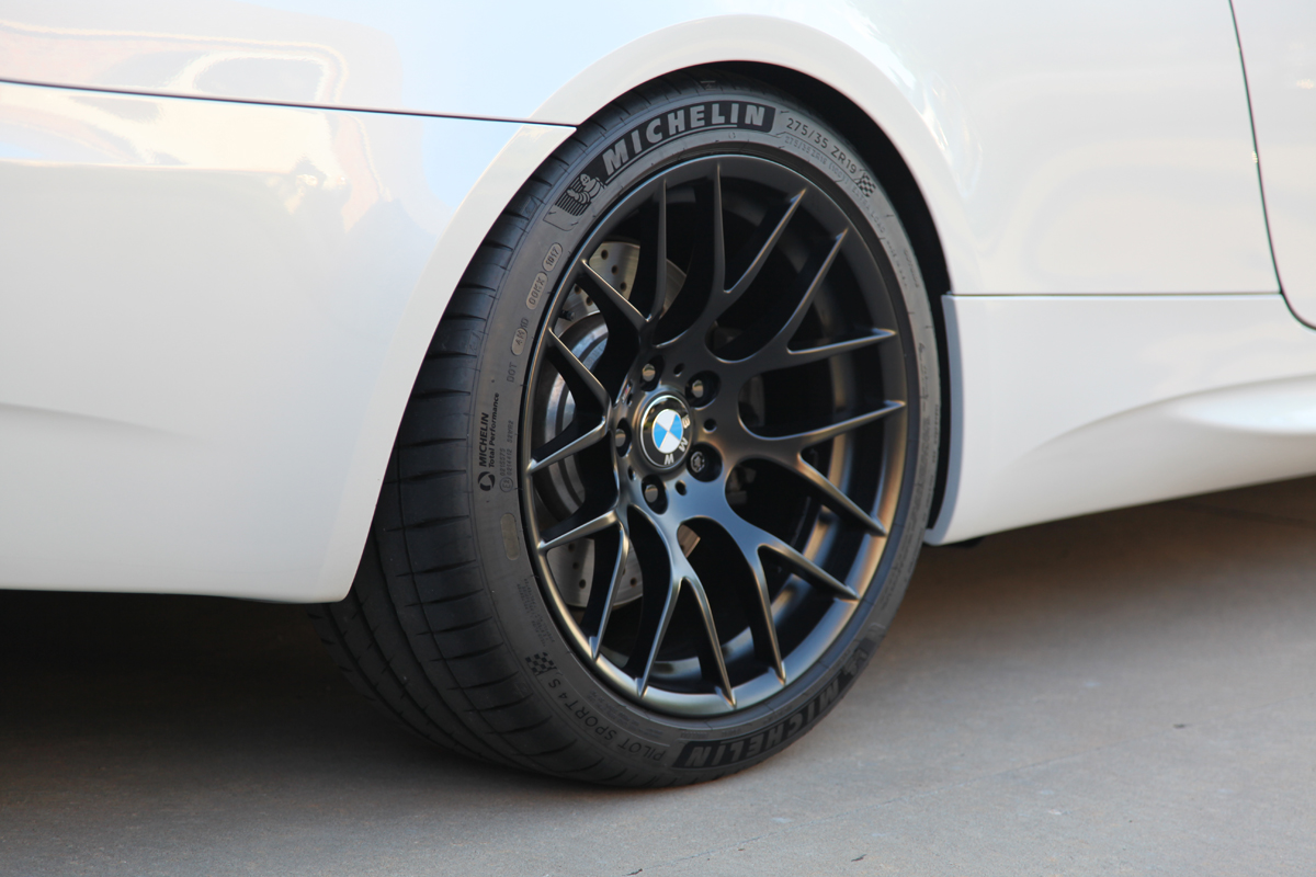 m3 2010 tyre size