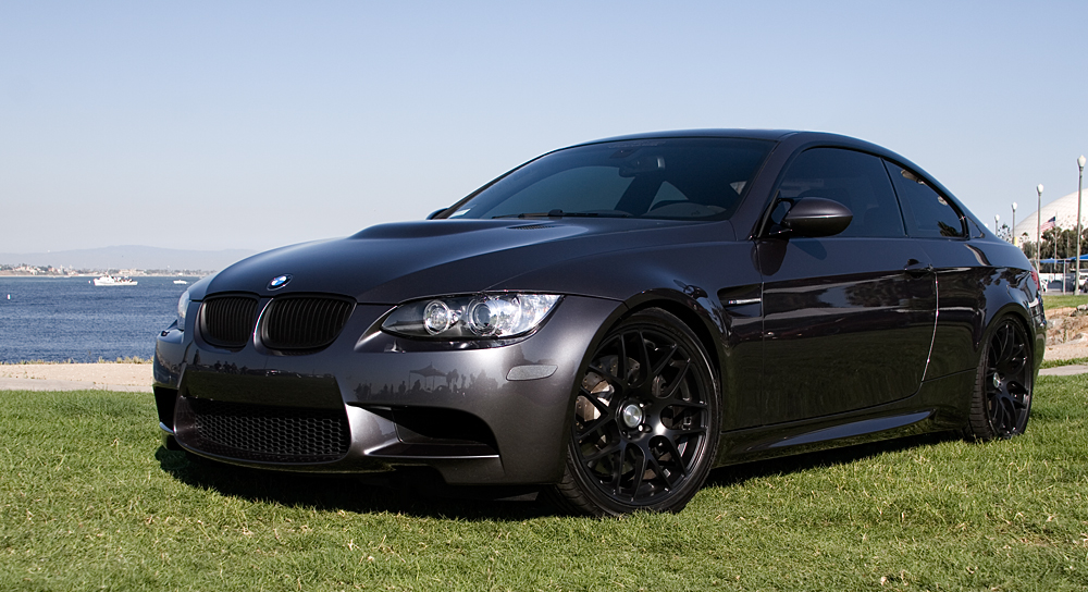 Bmw 135i Matte Black. Can#39;t find any photos of lack