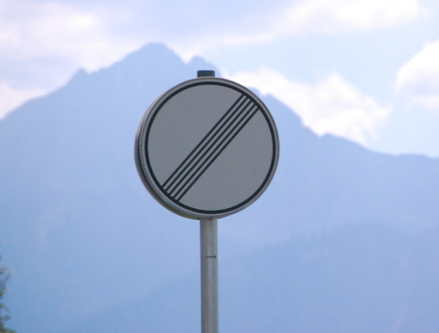 Name:  autobahn-end-of-restrictions-sign.jpg Views: 6701 Size:  83.5 KB