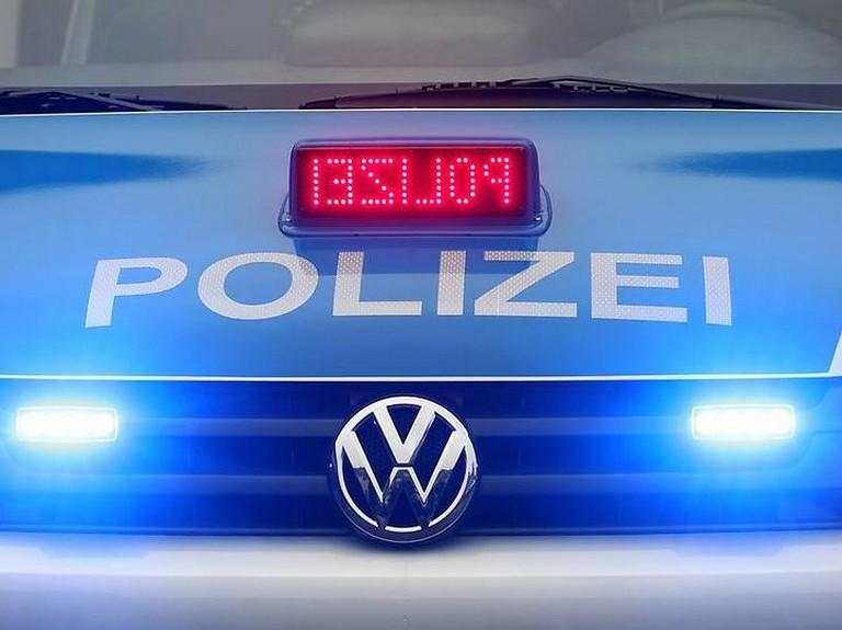 Name:  polizei blaulicht.jpg Views: 307 Size:  72.7 KB
