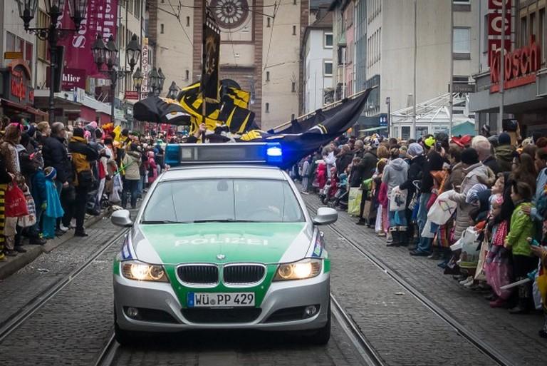 Name:  Polizei_Fasching_Symbolfoto_2-5-620x414.jpg Views: 304 Size:  131.2 KB
