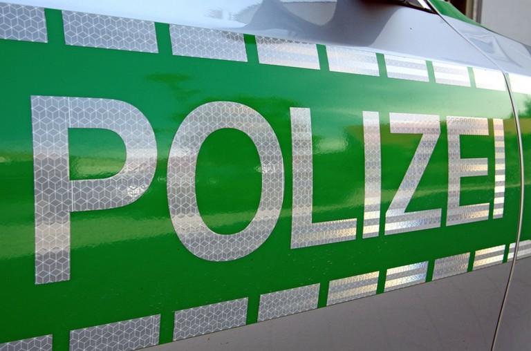 Name:  Polizei_jj.jpg Views: 303 Size:  93.2 KB