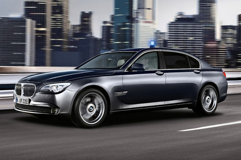 Name:  Polizei-Einsatz     BMW-7er-Polizei-729x486-8d73e3ed01ec50a0.jpg Views: 303 Size:  91.6 KB