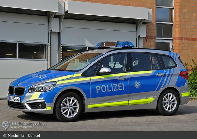 Name:  polizei  399140-large.jpg Views: 298 Size:  366.3 KB